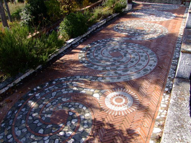 Idee e progettazione pavimento per giardini. Il Creativo Capriccioso ...