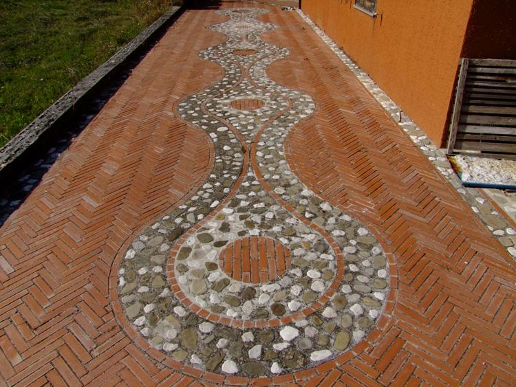 Idee e progettazione pavimento per giardini il creativo for Progettista giardini